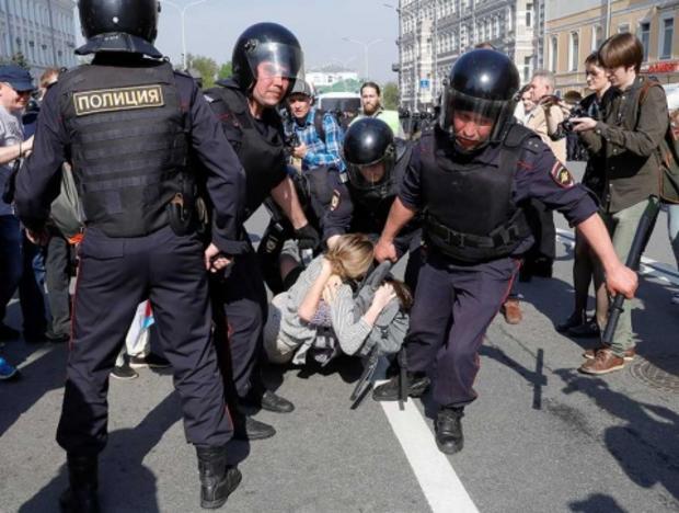 Más de mil detenidos en Rusia previo a investidura de Putin