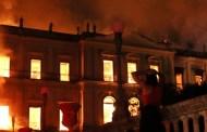 Bomberos sofocan incendio que destruyó el Museo Nacional de Brasil