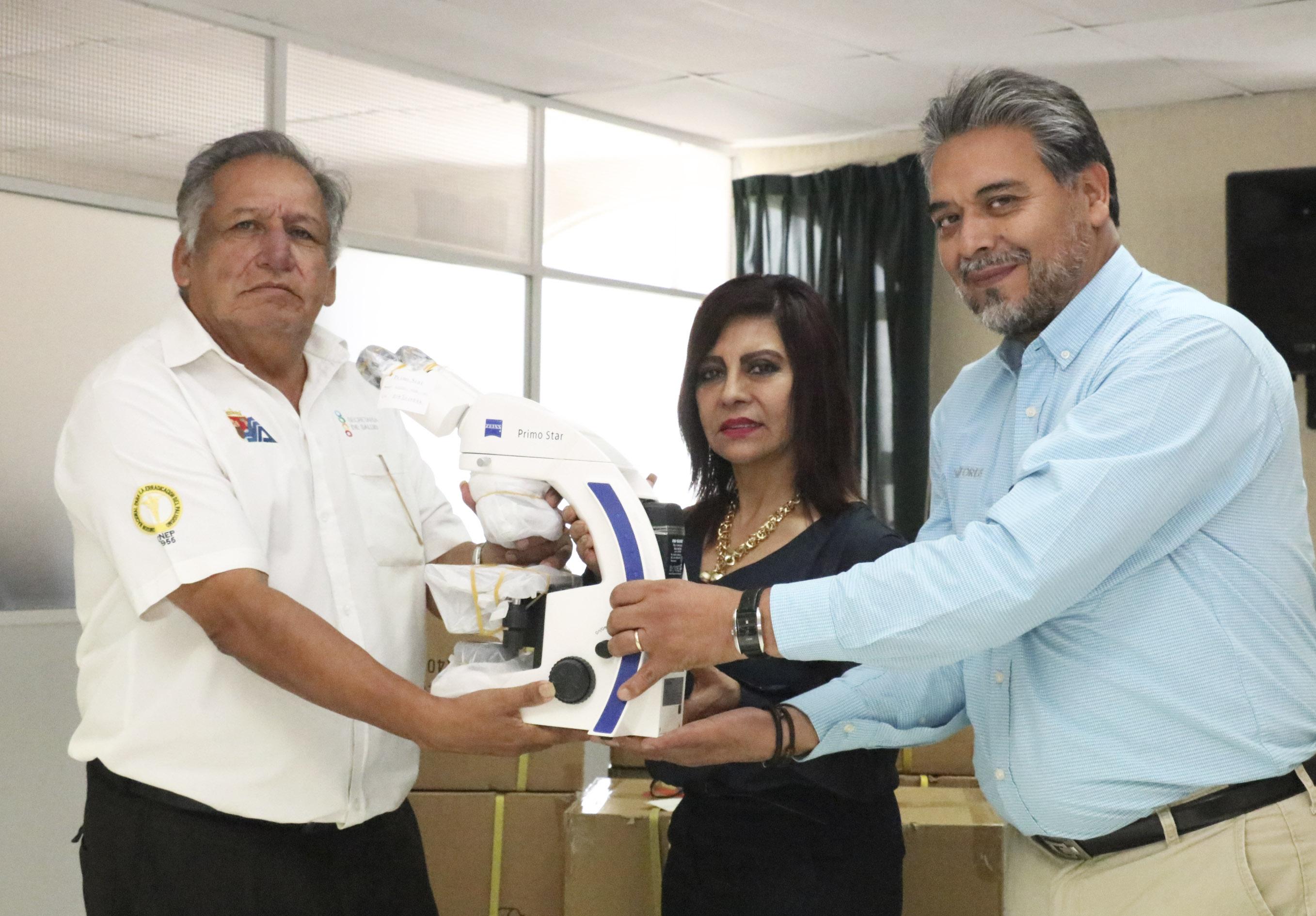 Microscopios para fortalecer el diagnóstico de paludismo