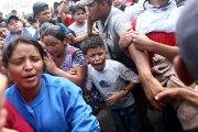 Frenan el ingreso desordenado de cientos de migrantes
