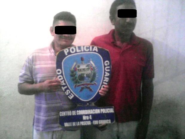 Ambos sujetos fueron detenidos por comercializar estupefacientes en el sector 12 de octubre
