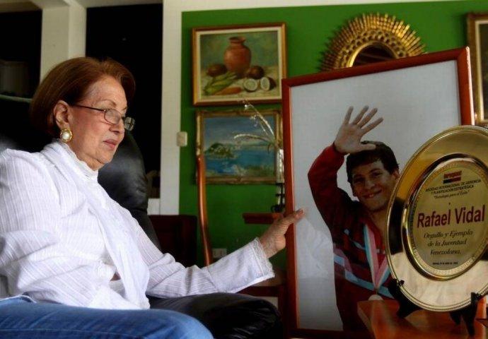 Acusan a adolescente por la muerte de la madre del nadador Rafael Vidal