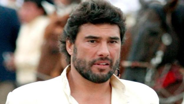 Por golpear a periodista entablan juicio contra Eduardo Yáñez