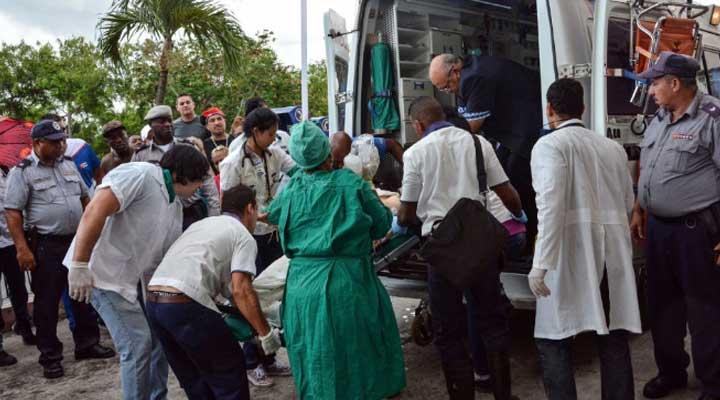 Cuatro heridos fueron ingresados al hospital cubano, muriendo uno y los demás eran intervenidos.