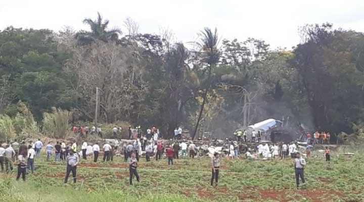 113 personas iban en el Boeing 737 con destino a Holguín