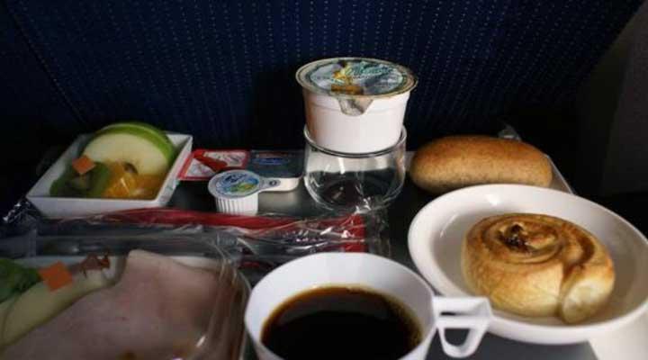 Esto es una guía para saber que consumir antes, mientras y después de un viaje en avión.