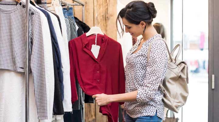 A la hora de comprar la ropa debes escoger lo mejor para tu vestir.