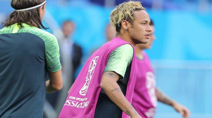 El cambio de look de Neymar fue la atracción del partido Brasil - Suiza.