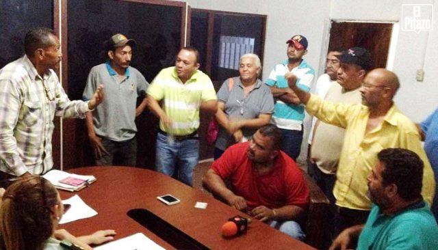 Una reunión de al menos dos horas se sostuvo entre autoridades y los transportistas. Fuente: El Pitazo