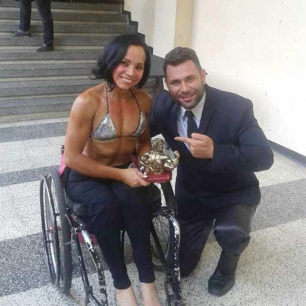 Estelia Ospino fue una de las ganadoras acompañada por Petros Tziamos