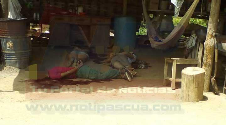 Las tres victimas quedaron junto dentro de la finca con las manos atadas y tiros en la cabeza y torax