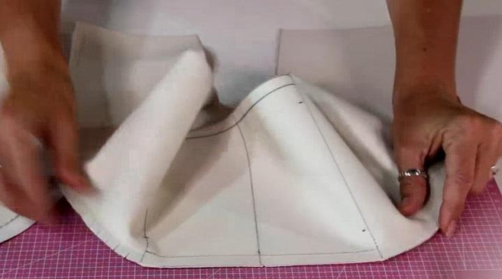 Cociendo Tiras y pieza de Polipiel alineadas