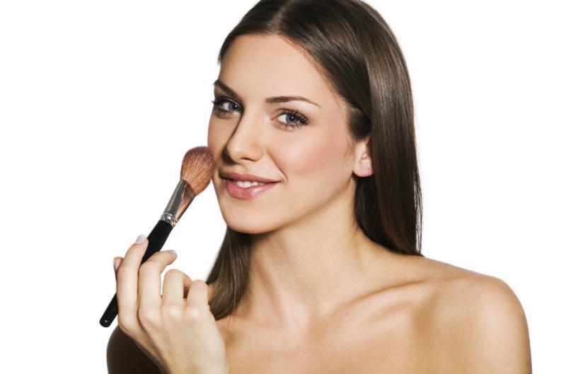 El maquillaje nos sirve para tapar algunas imperfecciones de nuestra piel