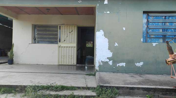 Dentro de esta viviendo sucedió el tiroteo.