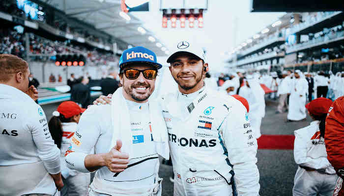 Alonso fue agasajado por todo lo alto en su despedida de la F1