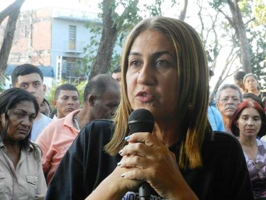 La alcaldesa Nidia Loreto dijo que los violentos y terroristas son comandados por gente conocida en la comunidad ante la cual se presentan como angelitos.jpg