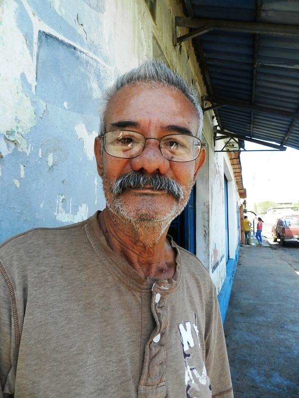 Carlos González, Que esa tal ayuda se la den a la gente de Haiti o de Colombia porque ellos tienen más necesidad.