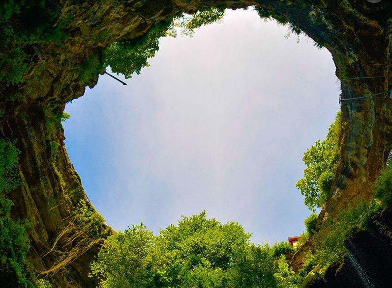 Descender en la cueva Gouffre Berger