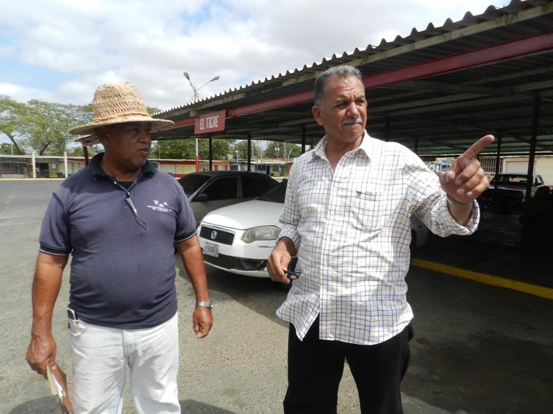 Jofre Fernandez, coordinador del terminal de pasajeros dijo que el servicio se presta en santa paz (1)