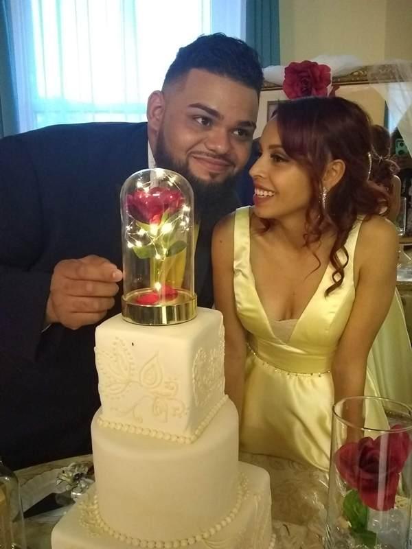 Los esposos Salazar Alcalá irradiaron de felicidad