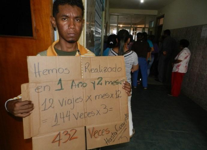 Julio Morales viene desde Cabruta y dice que lleva 13 meses viajando para Calabozo.