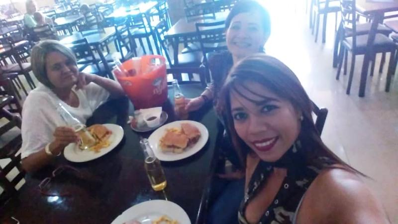 Nelyda y Yolimar Ruiz en el pre-cumple