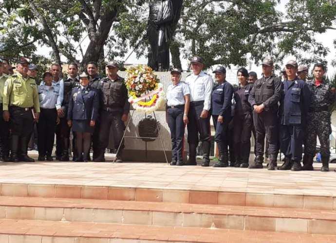 Policias de los diferentes cuerpos policiales celebran su dia.