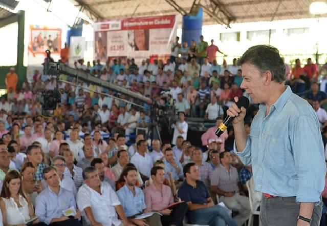 Este Gobierno lleva un millón 300 mil viviendas construidas, resaltó el Presidente Santos  CA