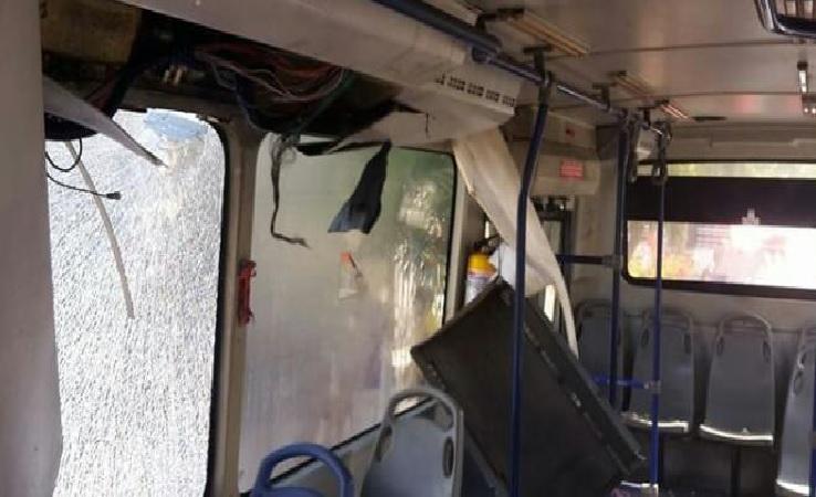 Explosión  dentro de transmetro seis  heridos .