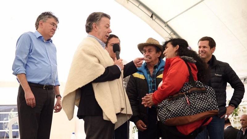 Presidente Juan Manuel Santos entregó 100 nuevas viviendas en Chiquinquirá