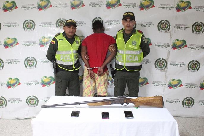 EN PERSECUCIÓN POLICIAL CAPTURADO DELINCUENTE POR HURTO