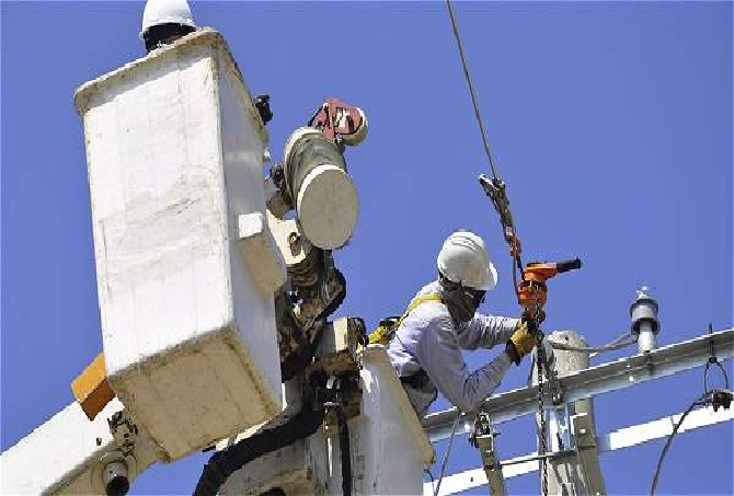 Electricaribe ejecuta trabajos preventivos en el corredor turístico del Atlántico