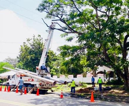 Trabajos eléctricos en la Urbanización 'Mundo Feliz' de Galapa