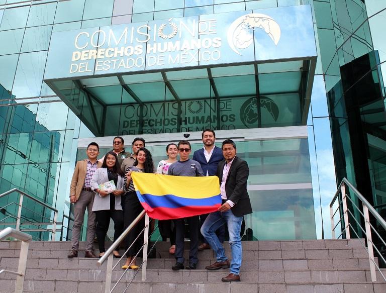 Jóvenes colombianos comparten sus experiencias de su trabajo comunal en México
