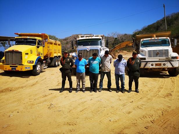 Operativos contra la explotación minera ilegal deja 4 capturados y la incautación de maquinaria