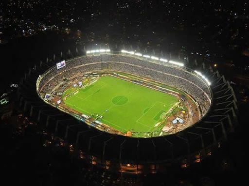 Continuo robo de redes y luminarias afectan iluminación del parque del estadio Metropolitano.