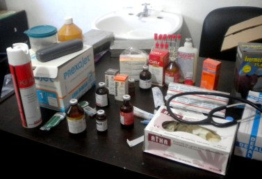 Medicamentos y material usados, facilitados por laboratorios