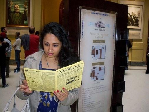 Shuchi, de India (vive en Nueva York), con NOTIRUYA en la Casa Rosada