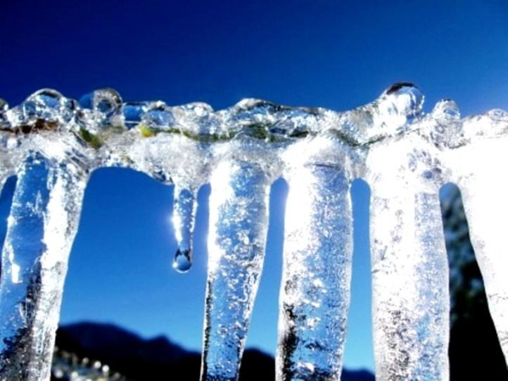 El sol de la mañana derrite el hielo, en Iruya. (Foto: Oliver)