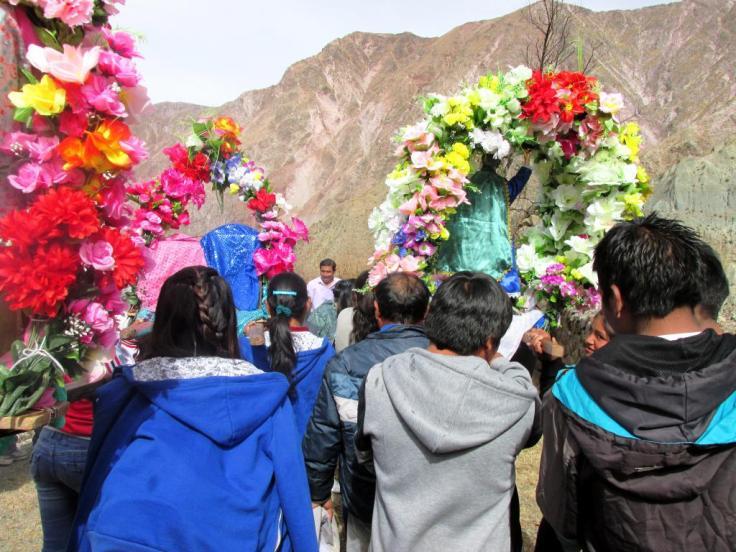 SAN JUAN, Iruya.- Durante la procesión. (Foto: Pablo Harvey).