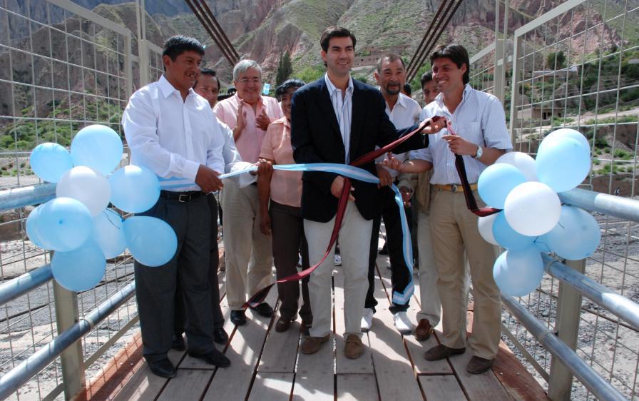 Inauguración del puente de Iruya.