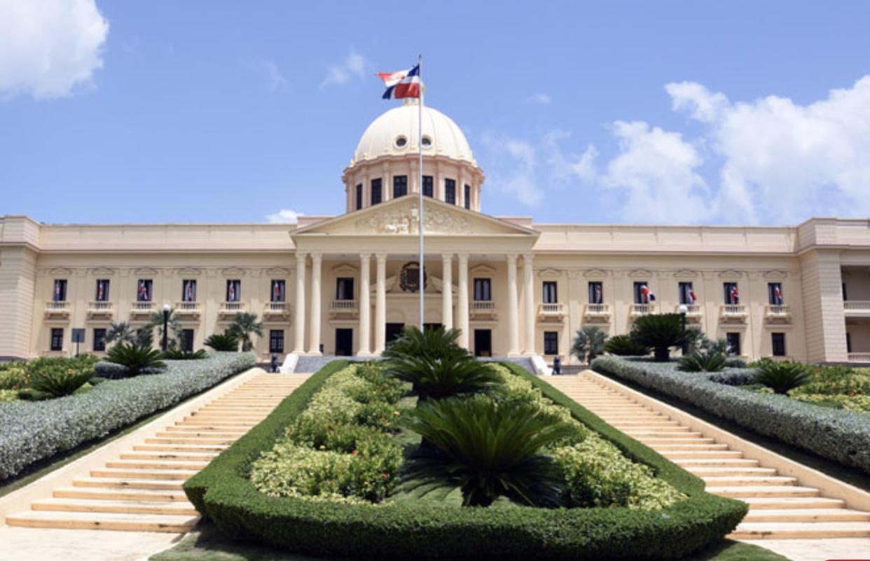 Presidente Medina designa a Josué Antinoe Fiallo, representante permanente República Dominicana ante OEA