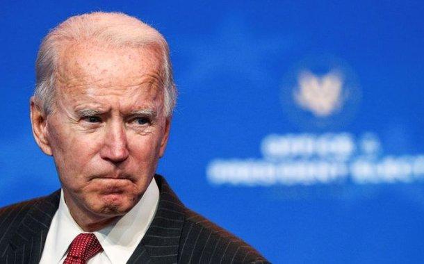 Joe Biden se resbaló mientras jugaba con su perro y se torció el tobillo