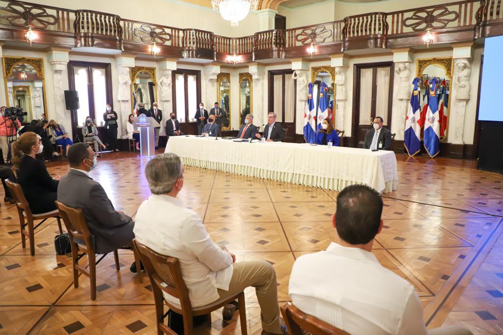 Abinader presenta Plan Nacional de Viviendas Familia Feliz