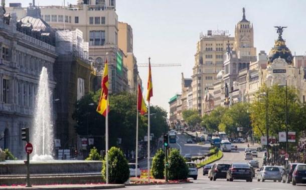 Los viajeros con la vacunación completa pueden entrar a España desde hoy