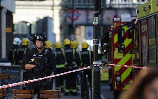 Londra: bomba esplode nel metro. L'ombra sull'Isis che rivendica