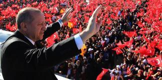 Erdogan vince in Turchia ma spacca il Paese in due