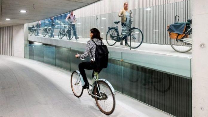 Il parcheggio sotterraneo per bici a Utrecht