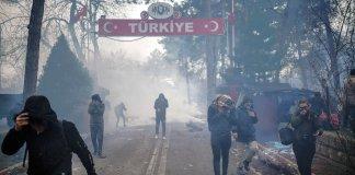 Turchia riapre le frontiere con la Siria
