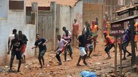 Guinea scontri violenti per riforma costituzionale